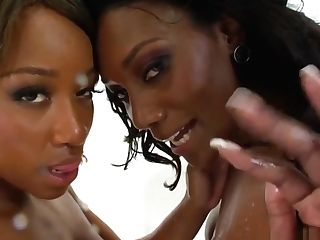 Dark-hued Squirting Stunner In Les Clyster Duo